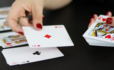 Học cách ghi nhớ bài sẽ giúp cho người chơi có thể đánh được những nước bài chính xác